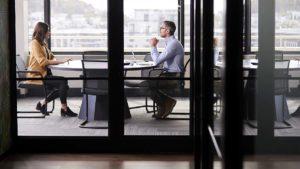 Búsqueda de Empleo después de los 50: ¿Cómo afrontarlo después de un despido? | Insigni